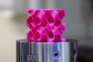 MIT、グラフェンを使った高強度軽量材料を開発